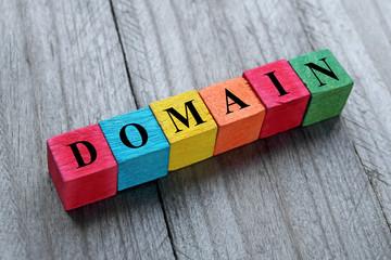 przedłużanie domen